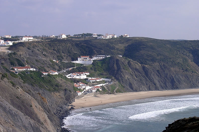 holiday houses at Arrifana Beach