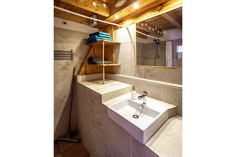 Bathroom with sink
